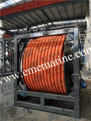 Umbilical cable winch